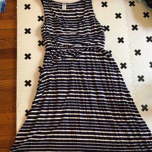 Old navy striped maternity dress xs